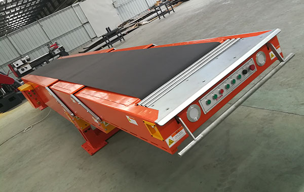 Three-section Belt Telescopic conveyor_Fixed type